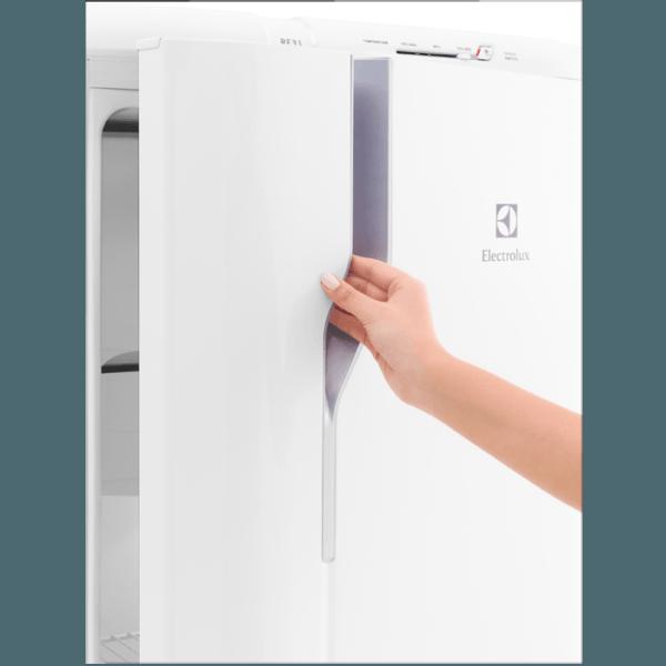 Geladeira / Refrigerador  240 litros Cycle Defrost Branco Controle de Temperatura RE31 - Electrolux 110 V 4