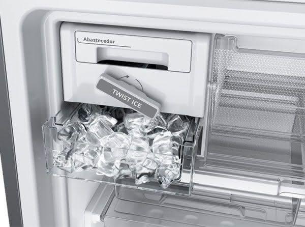 Geladeira / Refrigerador Duplex 478 litros Adega Freeze Control Frost Free Branco - BRM59ABANA - Brastemp 110 V 9