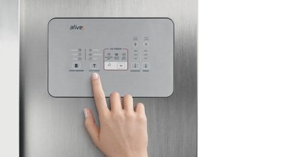 Geladeira / Refrigerador Side by Side Inverse Bottom Ice Maker 540 litros Frost Free Inox - BRO80AKBNA - Brastemp 220 V 3
